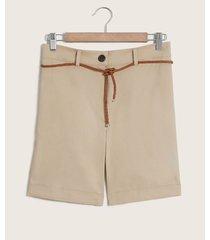shorts cinturón trenzado
