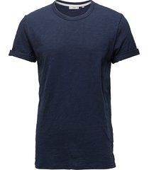 delta t-shirts short-sleeved blå minimum