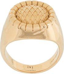 ivi embossed signet ring - gold