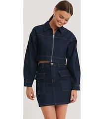 na-kd trend kjol med stora fickor - blue