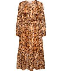 vanja dress knälång klänning orange unmade copenhagen