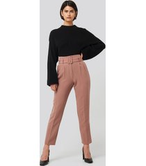 na-kd classic belted suit pants - pink