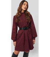 na-kd trend ruffle detail short dress - red