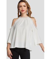 blusa con hombros descubiertos y botones blancos de yoins diseño
