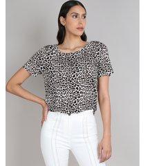 blusa feminina ampla estampada animal print manga curta decote redondo off white
