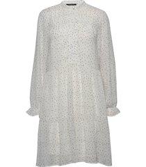 novas memphis dress knälång klänning vit bruuns bazaar
