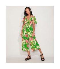 macacão feminino pantacourt estampado floral com vazado e nó manga curta ampla verde