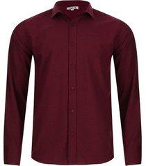 camisa estampada triangulos color vino, talla xs