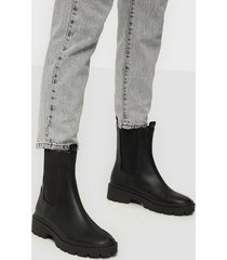 nly shoes high ankle chelsea boot flat boots