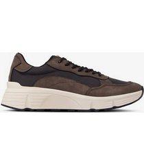 sneakers quincy