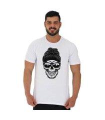 camiseta tradicional manga curta mxd conceito caveira com gorro