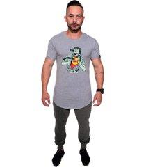 camiseta  longline kruger's concept chaves chapolin cinza - cinza - masculino - algodã£o - dafiti