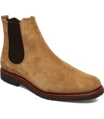 cast crepe chelsea suede shoes chelsea boots brun royal republiq