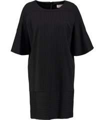 julia june gevoerd stevig zwart stretch jurkje relaxed fit