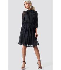 na-kd boho high neck elastic waist puff dress - black