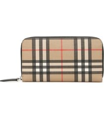 burberry zip-around vintage check wallet