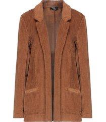 amami suit jackets