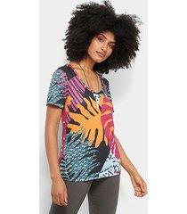 camiseta cantão estampa folhagem feminina