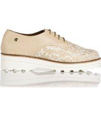 zapato de atadura beige de mujer cosmos