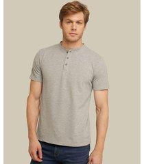 camiseta henley unicolor