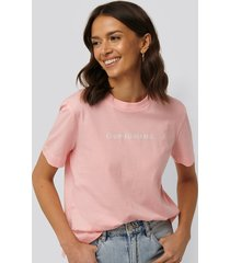 calvin klein shrunken institutional logo tee - pink