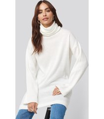 hannalicious x na-kd oversized polo knitted long sweater - white