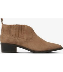 boots sun goat suede