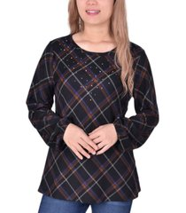 women's long sleeve plaid pullover with embellishment