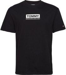 tjm white box logo tee t-shirts short-sleeved svart tommy jeans