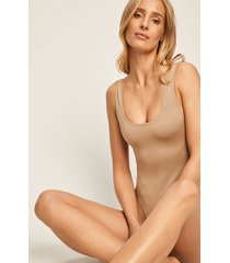 ow intimates - body hanna