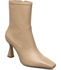 aire shoes boots ankle boots ankle boot - heel beige mango