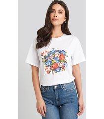 na-kd box floral oversized t-shirt - white