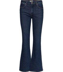 flare authentic dark jeans wijde pijpen blauw wrangler