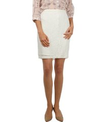 falda clásica encaje crudo 6