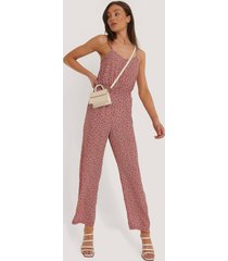 na-kd jumpsuit med tryck - red