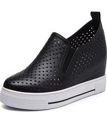zapatos casuales con suela gruesa