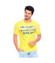 camiseta never give up emporio alex malha amarelo