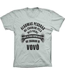 camiseta lu geek manga curta chamam de vovô prata
