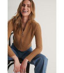 trendyol tröja med dragkedja - brown