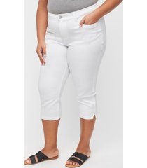 sateen stretch capri with comfort waistband