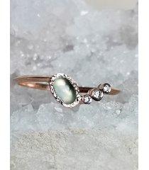 pierścionek złoty z chalcedonitem i diamentami