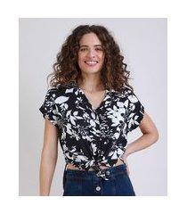 camisa feminina estampada floral com bolso manga curta preto