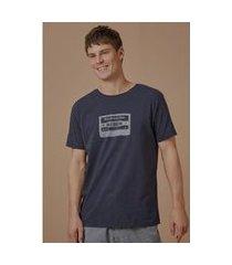 t-shirt barulho do mar escura azul marinho - p