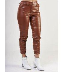 pantalón marrón sochic cuerina