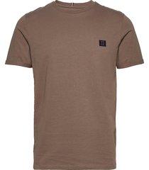 boozt t-shirt t-shirts short-sleeved brun les deux