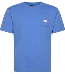 nb athletics pocket tee t-shirts short-sleeved blå new balance