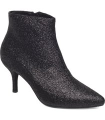 abby shoes boots ankle boots ankle boots with heel svart shoe the bear