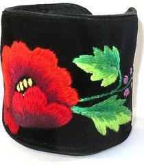 bransoletka z łowickim haftem