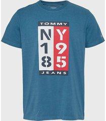 polera tommy jeans tjm 1985 vertical logo tee azul - calce regular