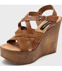 sandalia cuero marrón pollini